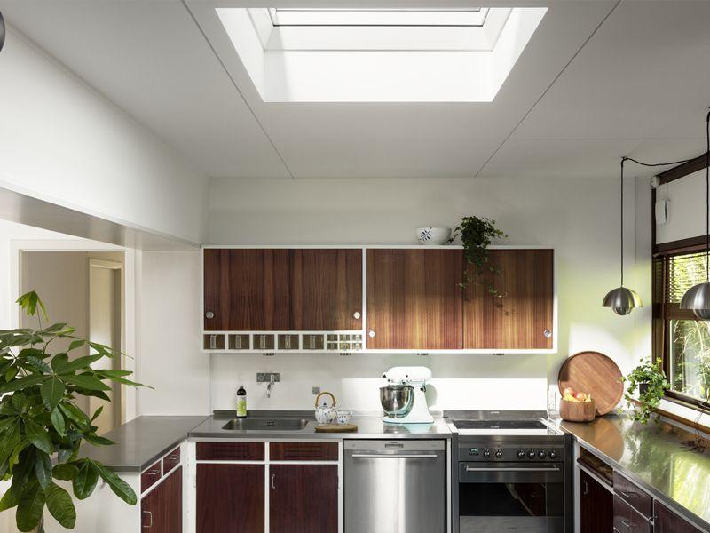 Finestre velux per tetti vendita lucernari e finestre roma for Velux finestre tetti piani